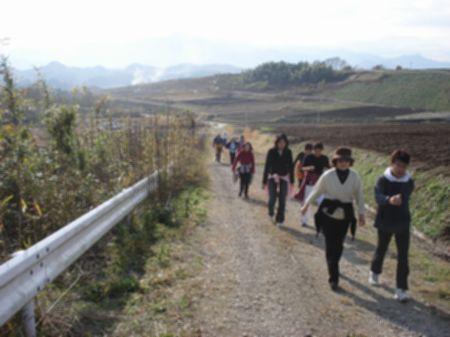 091129nyuko_walking 021b.jpg